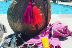 Large-Round-Basket-with-Hammam-Towel-and-Funky-Tassels